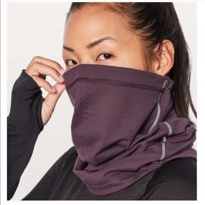 Lululemon Run it Out Neck Warmer